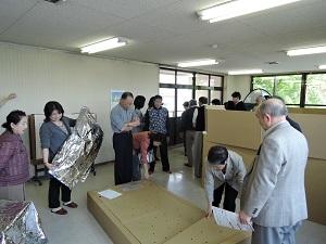 盛岡避難所グッズ体験(ベッド)